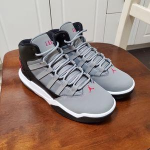 Air Jordan Aura Size 6.5Y